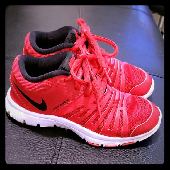 a3711275bb52b Boys  Nike Flex Show TR 5 Sneakers. M 5bf896310cb5aade7dfa7095